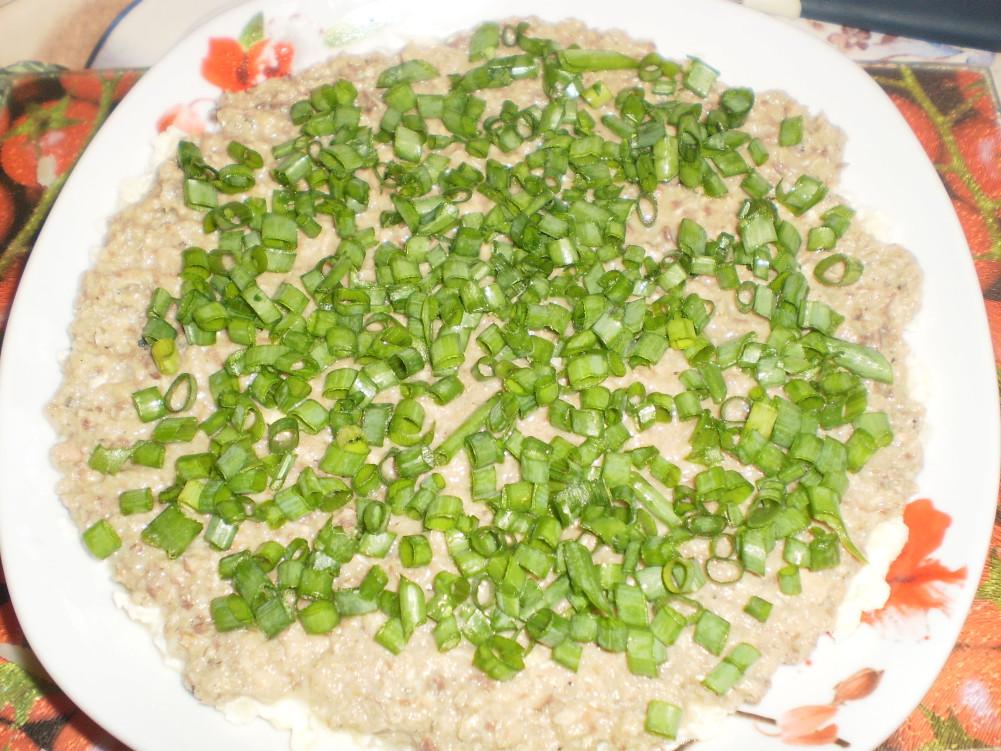 фото салат мимоза с зеленым луком приготовление