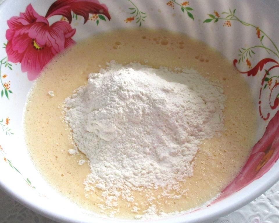 фото мука в тесто, заливной пирог в мультиварке рецепты с фото