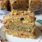 Бисквитный торт со сгущенкой и маслом