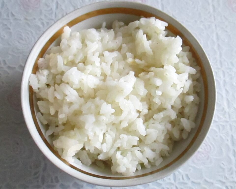 фото рис в тарелке
