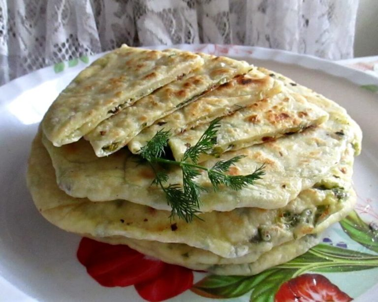Лепешка с творогом и зеленью на сковороде рецепт пошагово
