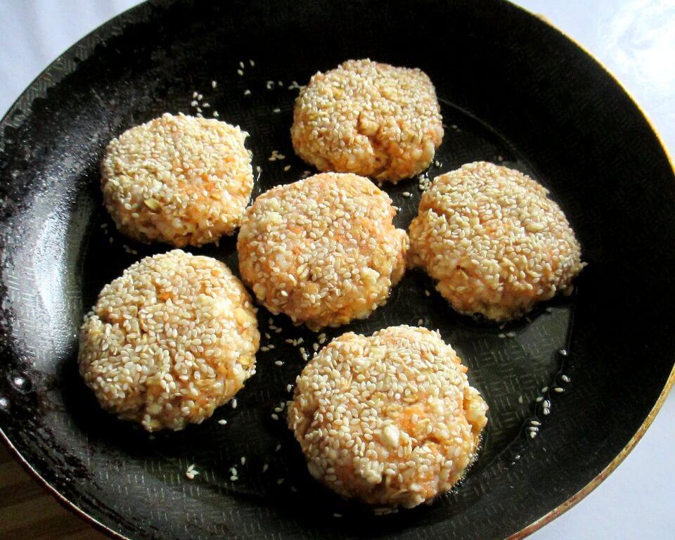 фото творожные сырники на сковороде,