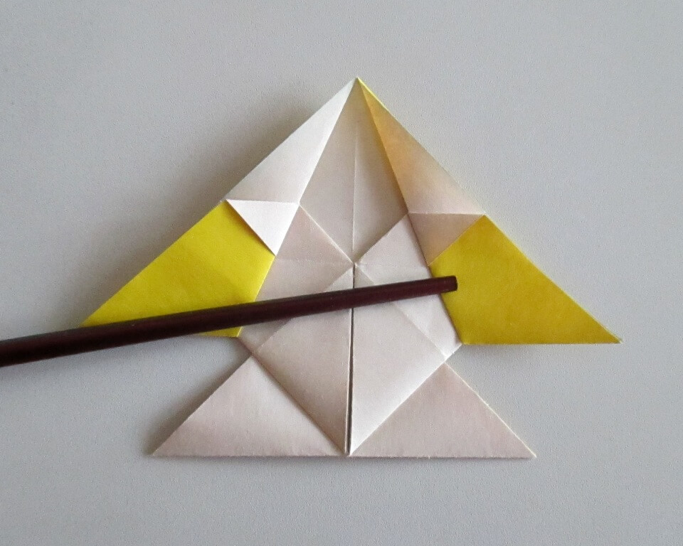 фото как сделать рыбку из цветной бумаги