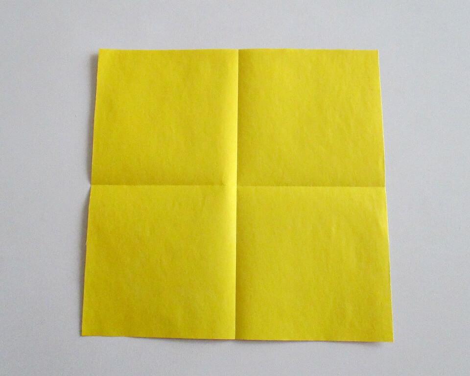 бумага желтая фото
